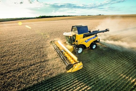 CR Revelation от New Holland — ориентир в зерноуборочной технике фото, иллюстрация