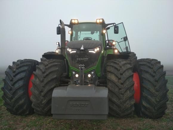 Трактор Fendt 1050 «на спарке» — впервые в Украине! фото, иллюстрация