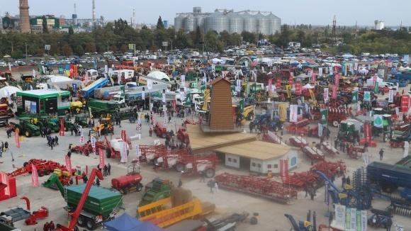 «Агроекспо-2019» сільськогосподарська виставка в Кропивницькому фото, ілюстрація