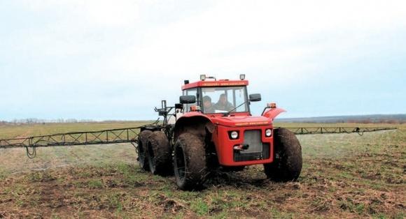 Сельхозтехника для внесения КАС и других жидких удобрений фото, иллюстрация