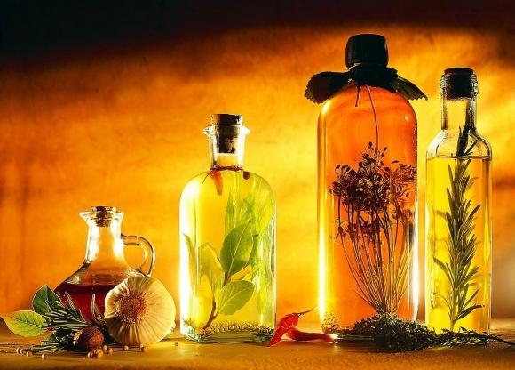 Опыт первичной переработки - экзотические масла фото, иллюстрация