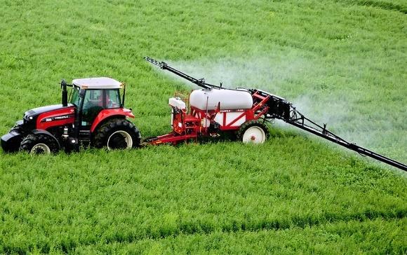 Регистрация химических средств защиты растений: а что там у соседа? фото, иллюстрация