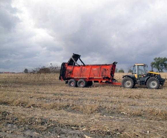 Системи удобрення ґрунту та збереження його органічної складової фото, ілюстрація