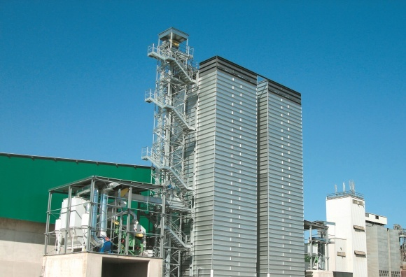 Особенности постройки зернохранилища под ключ фото, иллюстрация