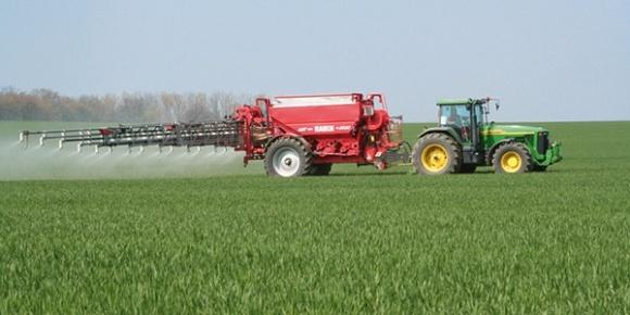 Технология внесения азотных удобрений на озимой пшенице фото, иллюстрация