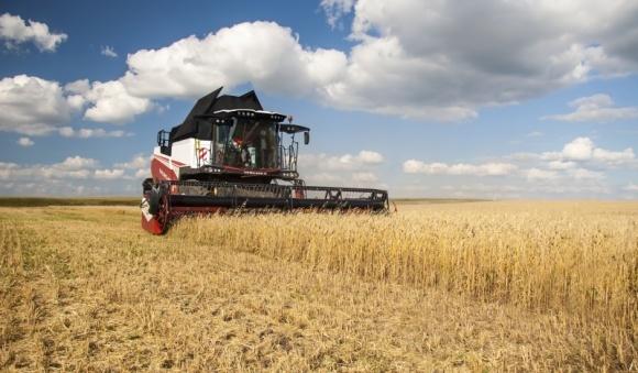 Зернозбиральний комбайн VERSATILE RSM 161: все і відразу фото, ілюстрація