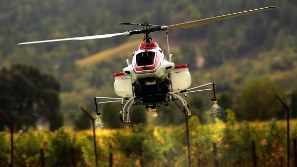 В Україні поширюється обприскування полів за допомогою дронів фото, ілюстрація