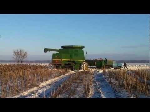 На полях Оренбургской области впервые в мире прошла автоматизированная уборка кукурузы зимой