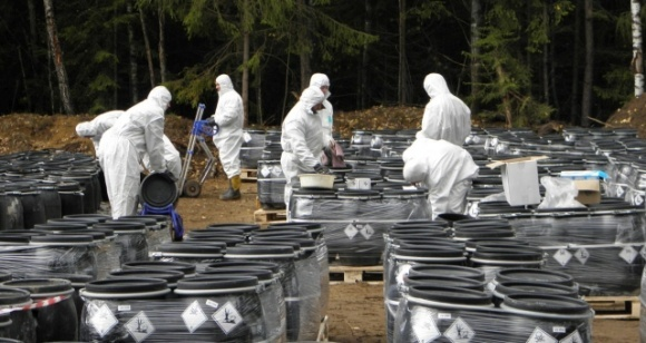 Пестициди з Херсонщини вивозять на утилізацію до Франції фото, ілюстрація