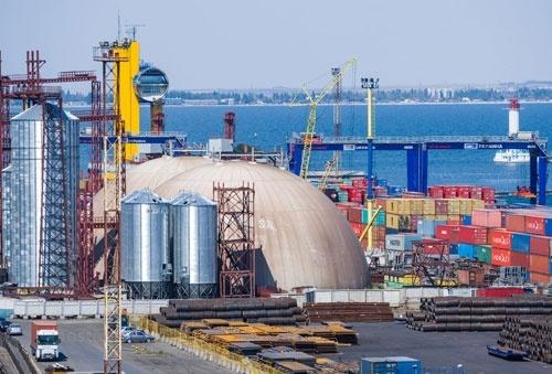 За восемь месяцев морские порты Украины увеличили перевалку почти на 19% и достигли отметки 100 млн тонн фото, иллюстрация