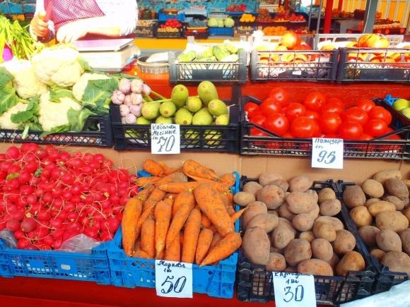 Чому в Україні не дешевшають фрукти та овочі фото, ілюстрація