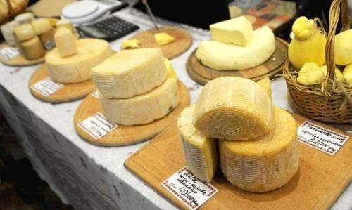 Білоруси заробили мільйони на постачанні українських сирів у Росію. Їх за це посадили до в'язниці фото, ілюстрація