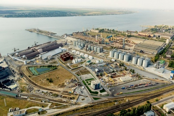 Морський спеціалізований порт Ніка-Тера почав перевалку соняшникового шроту фото, ілюстрація