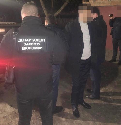 Голова сільради на Житомирщині попався на хабарі фото, ілюстрація