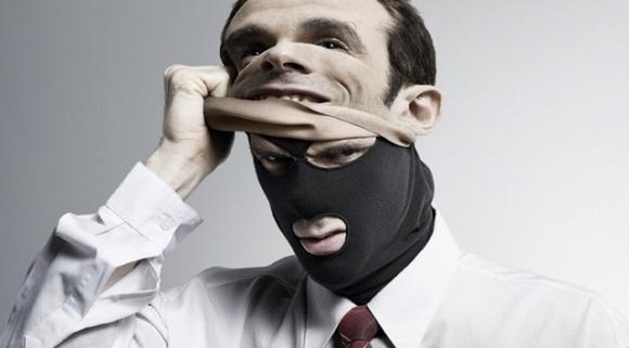 Заработок рейдеров - 50% стоимости компании, - Михаил Апостол фото, иллюстрация