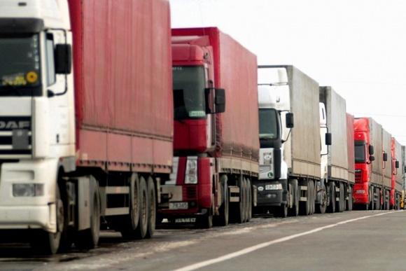 Кабмін запропонував штрафувати за перевищення ваги і водія, і вантажовідправника фото, ілюстрація