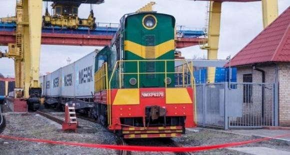 Контейнерный поезд Киев - порт «Южный» совершил первый рейс  фото, иллюстрация