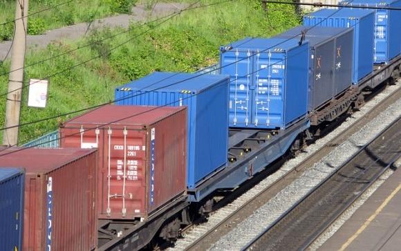 Открылся регулярный маршрут контейнерного поезда порт «Южный» - Киев фото, иллюстрация