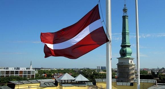Садоводы Латвии потребуют у правительства компенсацию за неурожай фото, иллюстрация
