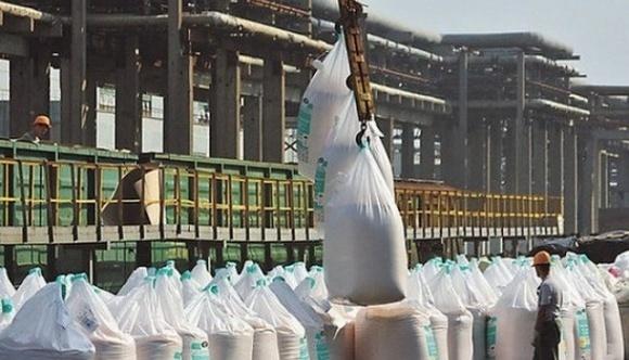 Під виглядом білоруських санкцій хочуть заборонити імпорт добрив в Україну фото, ілюстрація