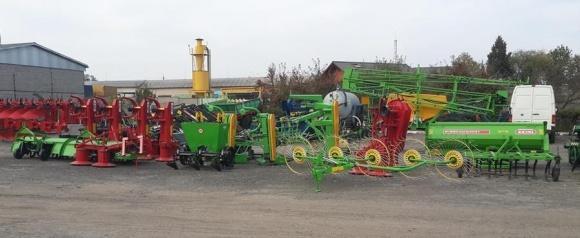 Що заважає світовим гігантам виробляти сільгосптехніку в Україні? фото, ілюстрація