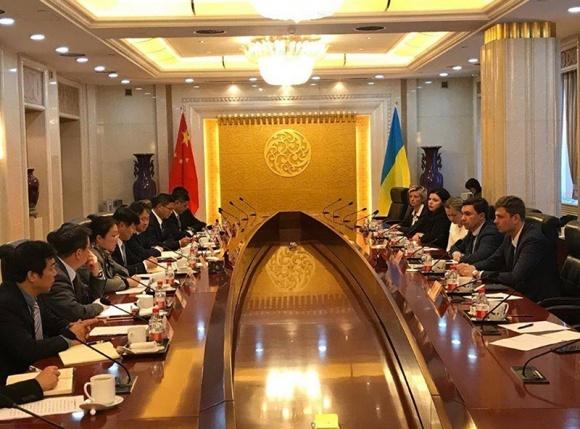 Китай готовий інвестувати в створення мультимодальних вантажних терміналів на кордоні України з ЄС фото, ілюстрація