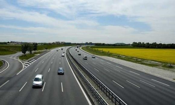 В Украине построят международную автодорогу, соединяющую черноморские порты с ЕС, за 4 млрд грн, - Омелян фото, иллюстрация