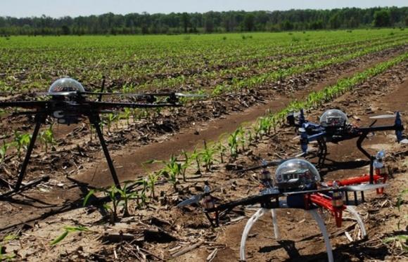 Дроны использует каждый третий американский фермер фото, иллюстрация