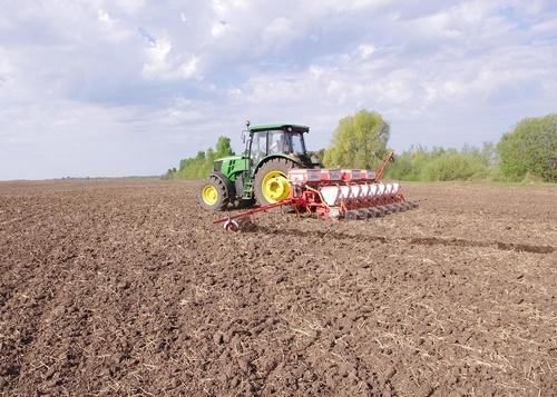 Аграрії Кіровоградської області завершили сівбу ранніх ярих зернових та зернобобових культур фото, ілюстрація