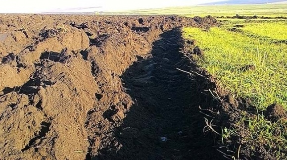 Фермеры в Одесской области отвоевывают земли Тарутинского полигона фото, иллюстрация