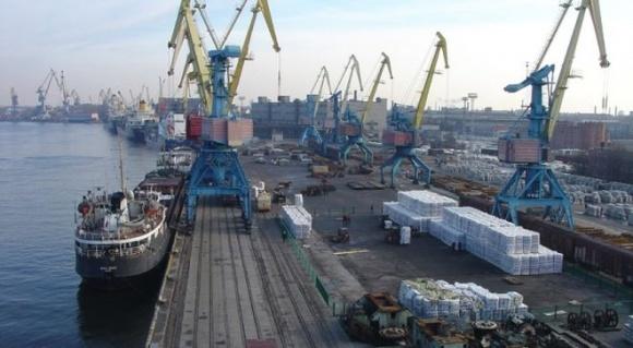Морські порти України збільшили перевалку добрив у 2017 році в 6 разів фото, ілюстрація