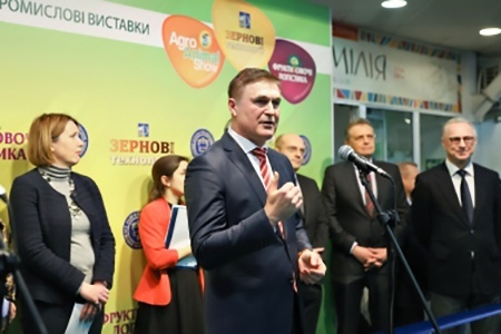 Державна програма здешевлення техніки дала поштовх розвитку українського машинобудування, - Віктор Шеремета на відкритті «Агровесни-2019» фото, ілюстрація