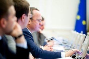 Правительство приняло постановление, которое решает проблему с утилизацией непригодных пестицидов фото, иллюстрация
