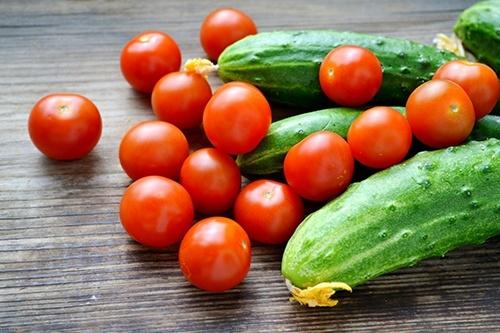 Українські теплиці пропонують перший врожай овочів дорожче, ніж рік тому фото, ілюстрація