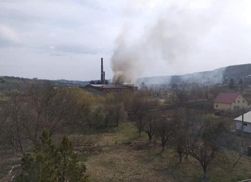У Чернівецькій області горить цукровий завод фото, ілюстрація