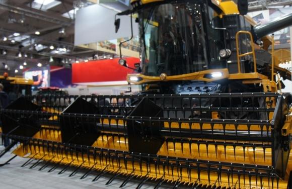 Производители сельхозтехники просят продлить переходный период регистрации до ноября 2018 года фото, иллюстрация