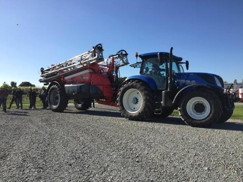 Фермери Миколаївщини перекриють трасу М-14 за допомогою 60 одиниць техніки фото, ілюстрація