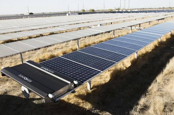 Новые солнечные фермы: и электрика, и город фото, иллюстрация