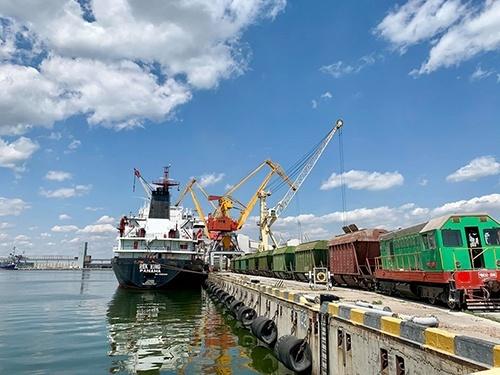 Порт «Ніка-Тера» почав відвантаження нового виду сільгосппродукції фото, ілюстрація
