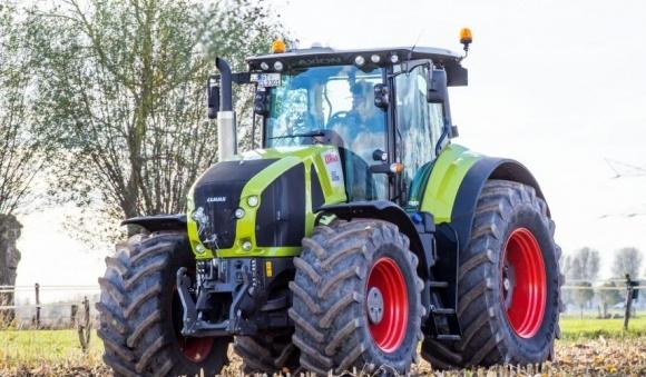 Украинские аграрии предпочитают американскую сельхозтехнику фото, иллюстрация