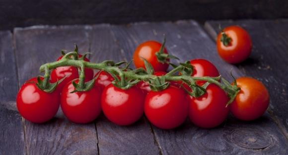 Тепличні томати в Україні ростуть в ціні фото, ілюстрація