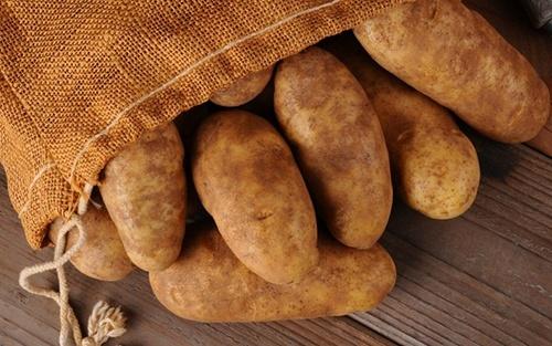Украина – лидер по ценам на картофель. Обзор рынка за 25-ю неделю 2019 года фото, иллюстрация
