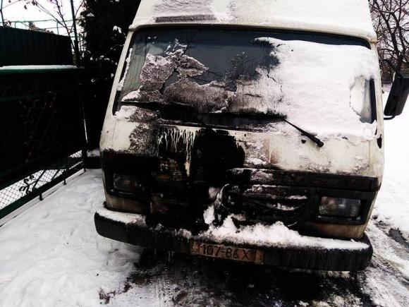 На Хмельниччині фермеру підпалили автомобіль фото, ілюстрація