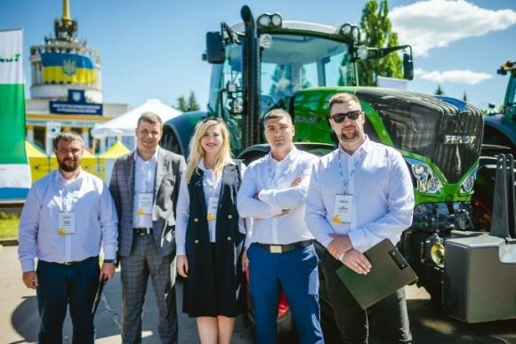 Valtra та Fendt - два бренди тракторів, які об'єднує надійність, енергоекономічність та простота в експлуатації  фото, ілюстрація