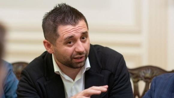 Арахамия объяснил, что потеряет Украина из-за затягивания с рынком земли фото, иллюстрация