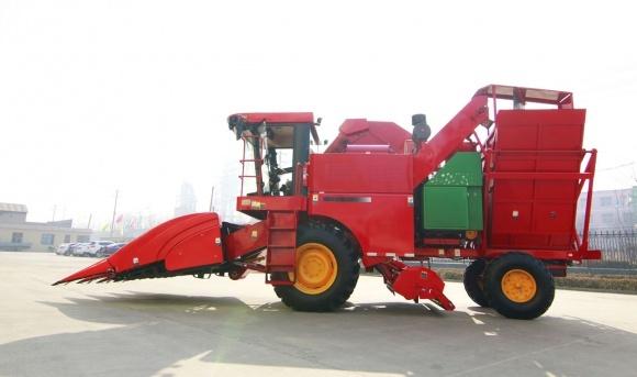 Реєстрація тракторів та комбайнів за МВС фото, ілюстрація