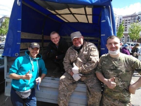 Ветерани АТО під час карантину допомагають продуктами сім'ям полеглих побратимів і тим, хто має потребу фото, ілюстрація