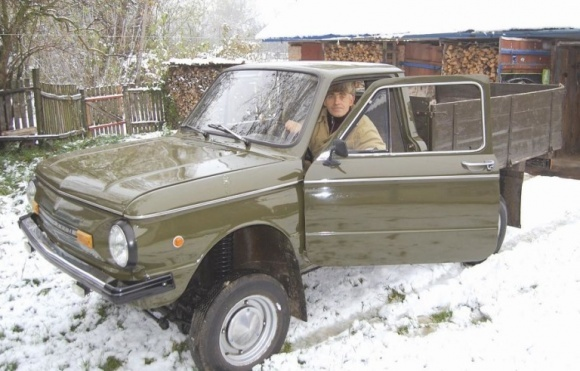 Користуватися старим автомобілем стане дорого фото, ілюстрація