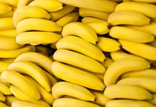 Україна імпортувала рекордний обсяг бананів в умовах надвиробництва власного яблука фото, ілюстрація
