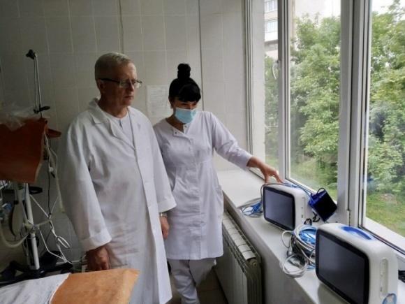Тернопольская больница получила от BASF мониторы пациента фото, иллюстрация